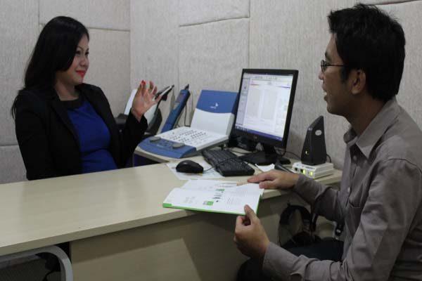 4 Alasan Orang Merasa Perlu Mengganti Alat Bantu Dengar