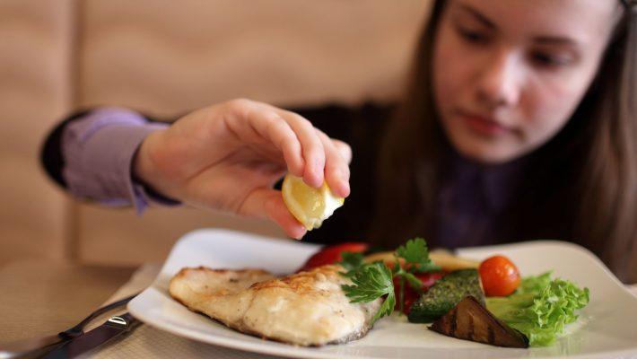 Risiko Gangguan Dengar Berkurang pada Wanita yang Mengonsumsi Ikan Dua Kali Seminggu